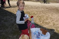 Ve středu 31. 3. 2021 jsme uspořádali pro děti oblíbenou akci hledání velikonočních vajíček, letos ale netradičně. Byla připravena trasa se začátkem na Kozím hrádku, amfiteátru přes Procházkův lesopark a s ukončením v lomu U Mariánského mlýna, kde za nasbí